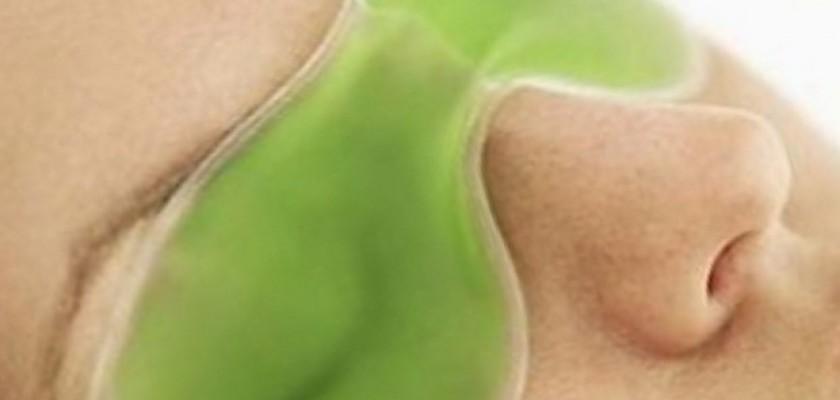 Yorgunluğun Belirtisi Göz Altı Torbaları Nasıl Geçer?